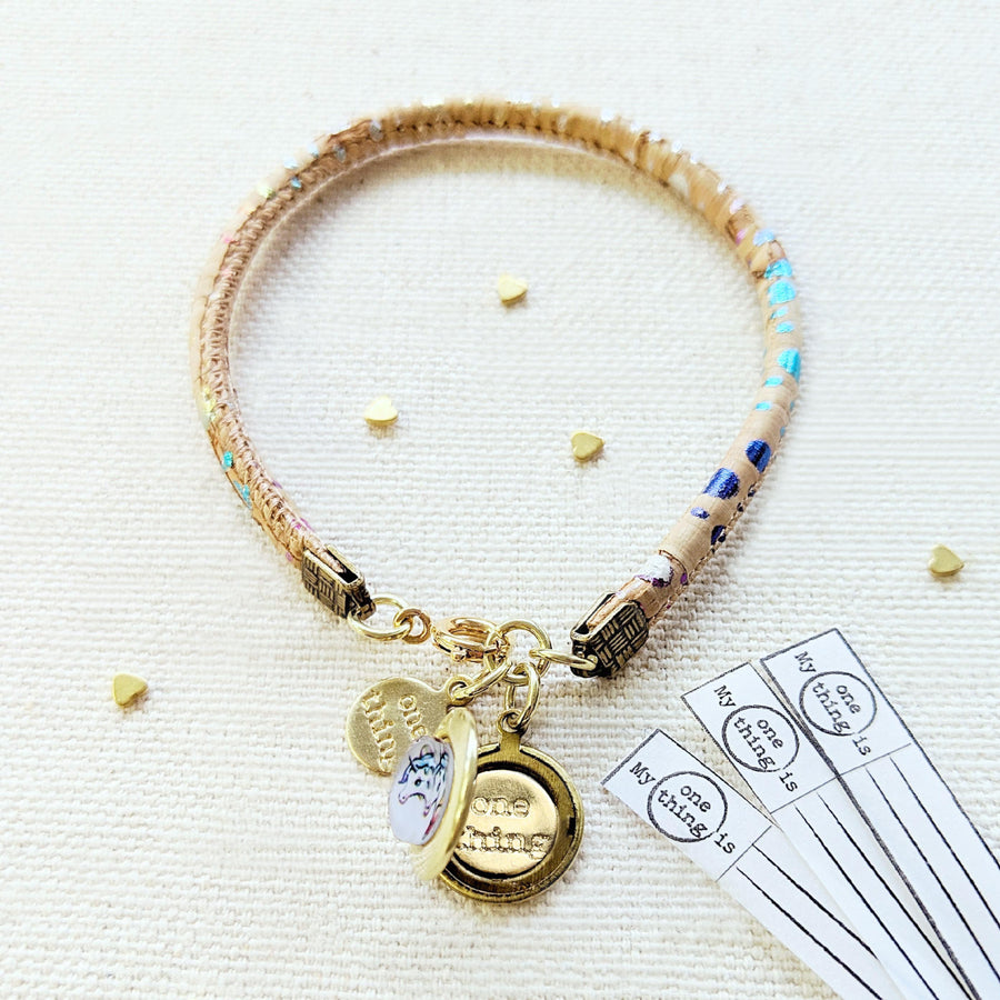 "KIDS! - ""MY RAINBOW UNICORN"" LOCKET BRACELET ON CORK (VEGAN) - One Thing Lockets"