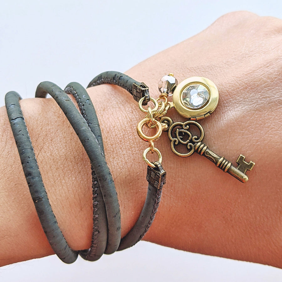 """ROME"" LOCKET & CORK WRAP BRACELET/NECKLACE (VEGAN) - One Thing Lockets 