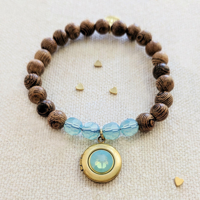 """TURKS & CAICOS"" WOOD BEAD LOCKET BRACELET - One Thing Lockets 