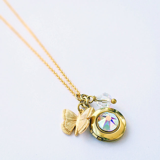 """SWEET SWEET BUTTERFLY"" LOCKET NECKLACE - Non-Tarnish Coating - One Thing Lockets"