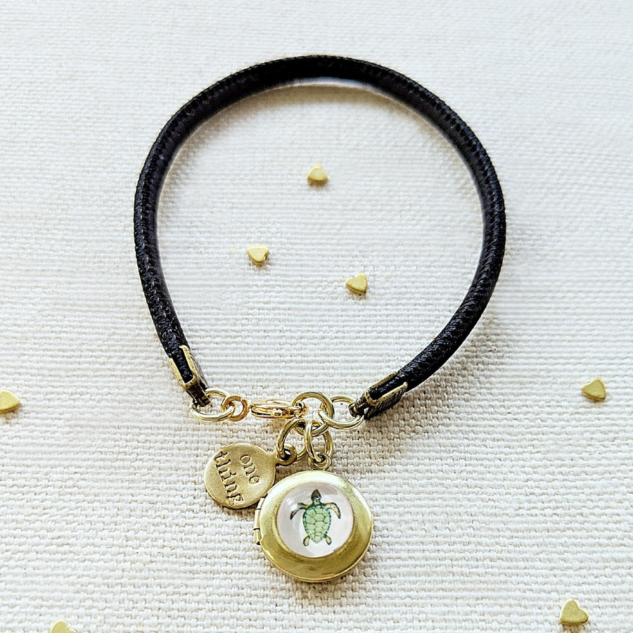 "KIDS! - ""TINY TURTLE"" LOCKET BRACELET ON CORK (VEGAN) - One Thing Lockets"