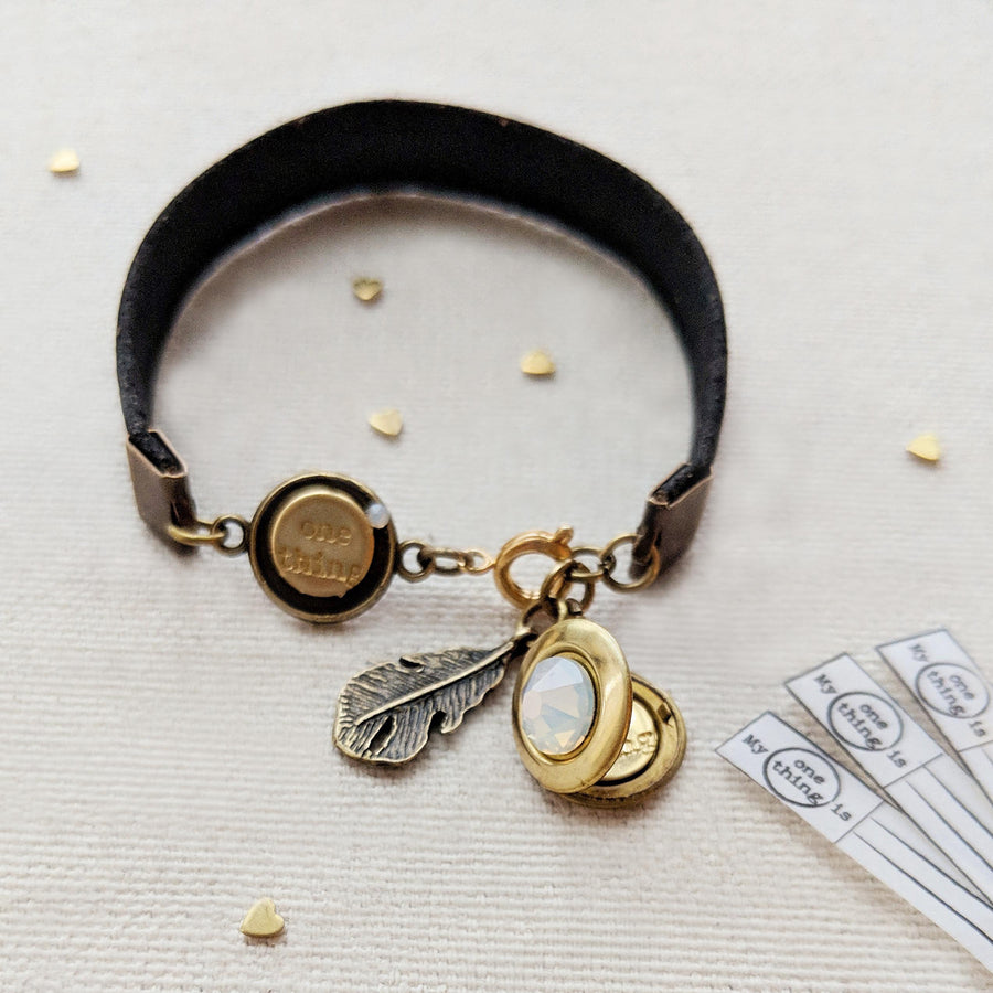"KIDS! - ""BOHO ANGEL"" LOCKET BRACELET ON CORK (VEGAN) - One Thing Lockets 