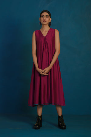 Wine V-neck sleeveless dress