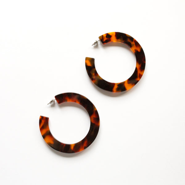 Grande Flat Hoops in Rouge Tortoise