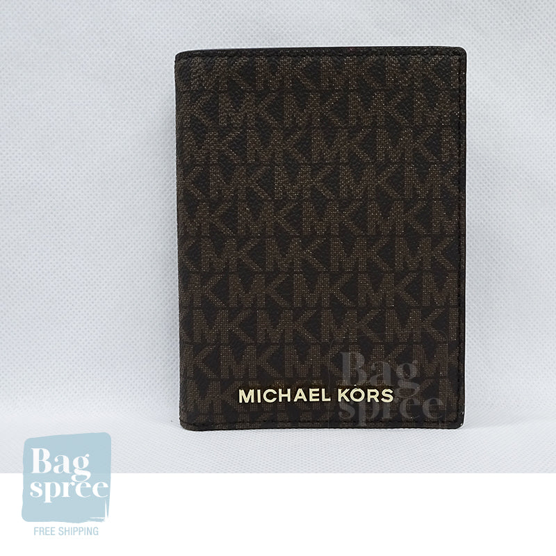 Michael Kors Jet Set Travel Medium Logo Passport Case Brown 35T9GTVT1B BROWN