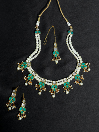 Kundan Pearl Necklace Set with Earrings and Maangtikka