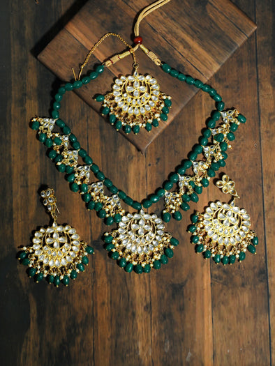Kundan Green Stone Necklace Set with Earrings and Mangtikka