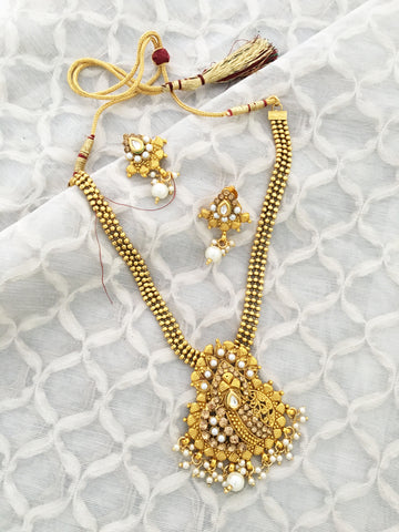 22K GOLDPLATED TRADITIONAL JEWELLERY SET