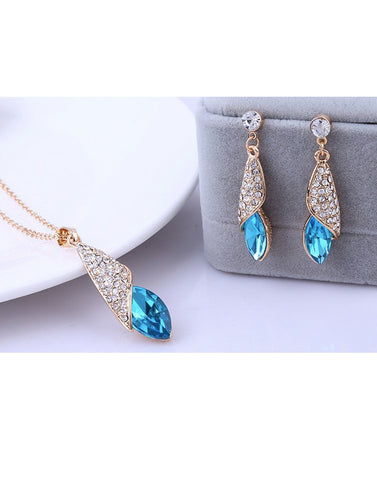 Trendy GoldPlated Blue Elegant Austrian Crystal Pendant Set