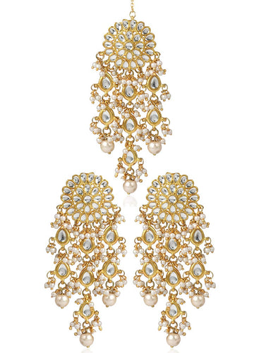 Karatcart GoldPlated Kundan Tassel Earrings With Maang-Tikka