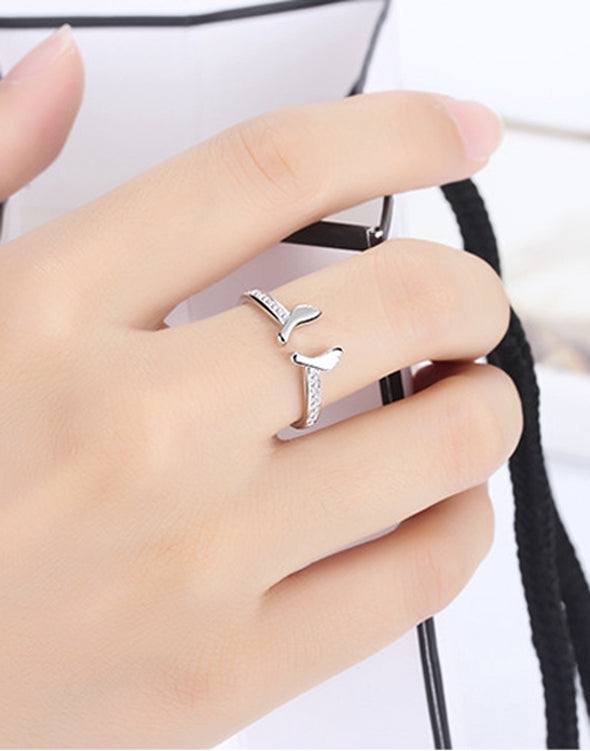 Platinum Plated Elegant Austrian Crystal Foot Print Ring