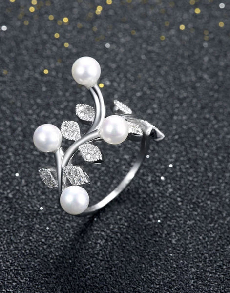 Platinum Plated Elegant Austrian Crystal White Pearl Adjustable Ring