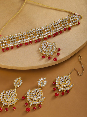 Karatcart Red Kundan Choker Necklace with Earrings and Mangtikka