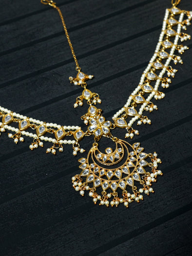Traditional Gold Plated Kundan Mathapatti