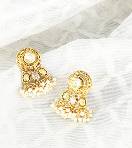 Aishani White Centre Pearl Earrings