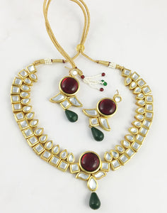 Pihu Kundan Necklace Set