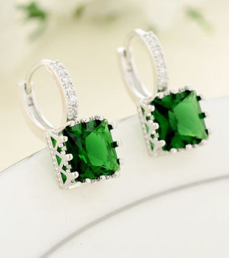 Karatcart Platinum Plated Austrian Crystal Green Earrings
