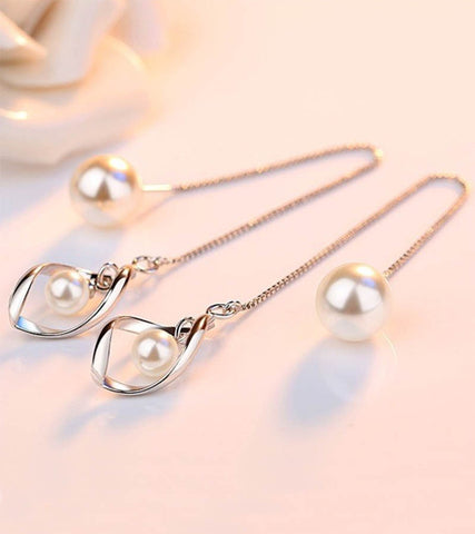 Karatcart Platinum Plated Austrian Crystal Drop Earrings For Women
