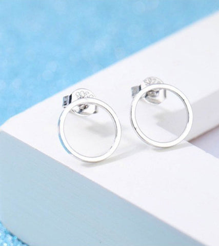 Karatcart Platinum Plated Circle Shaped Stud Earrings For Women