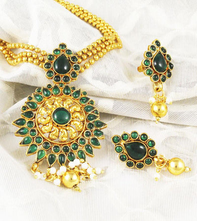 Sunehra Saga Gold Forming Green Necklace Set