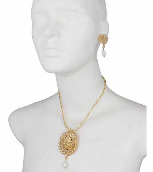 Karatcart 22K Goldplated Traditional Jewellery Set