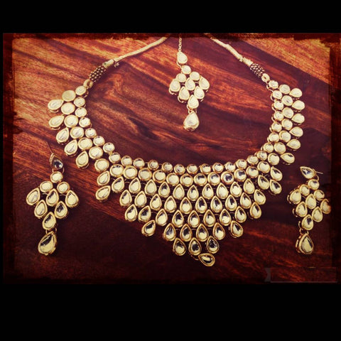 Kundan Drops Necklace v shape necklace