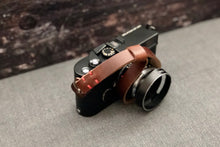 Load image into Gallery viewer, ROMA Leather Wrist Strap