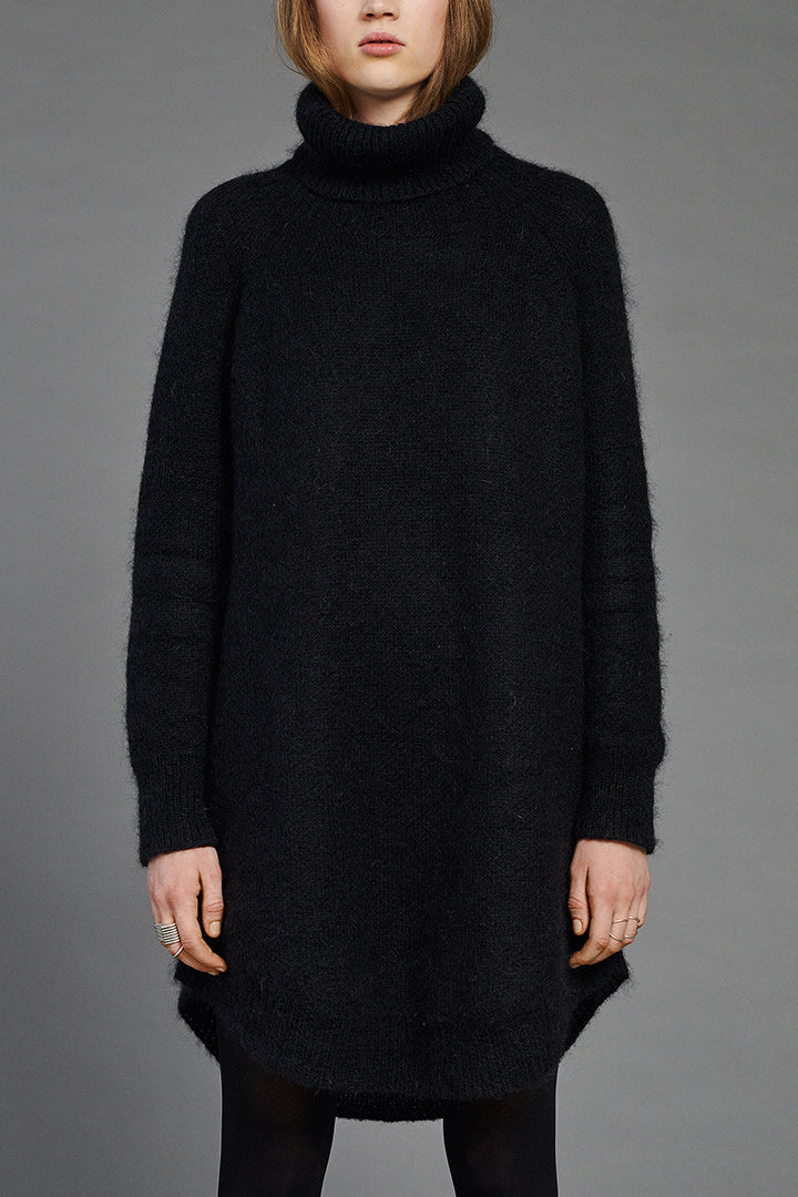 Black Mohair Arch Turtleneck by BIBI CHEMNITZ