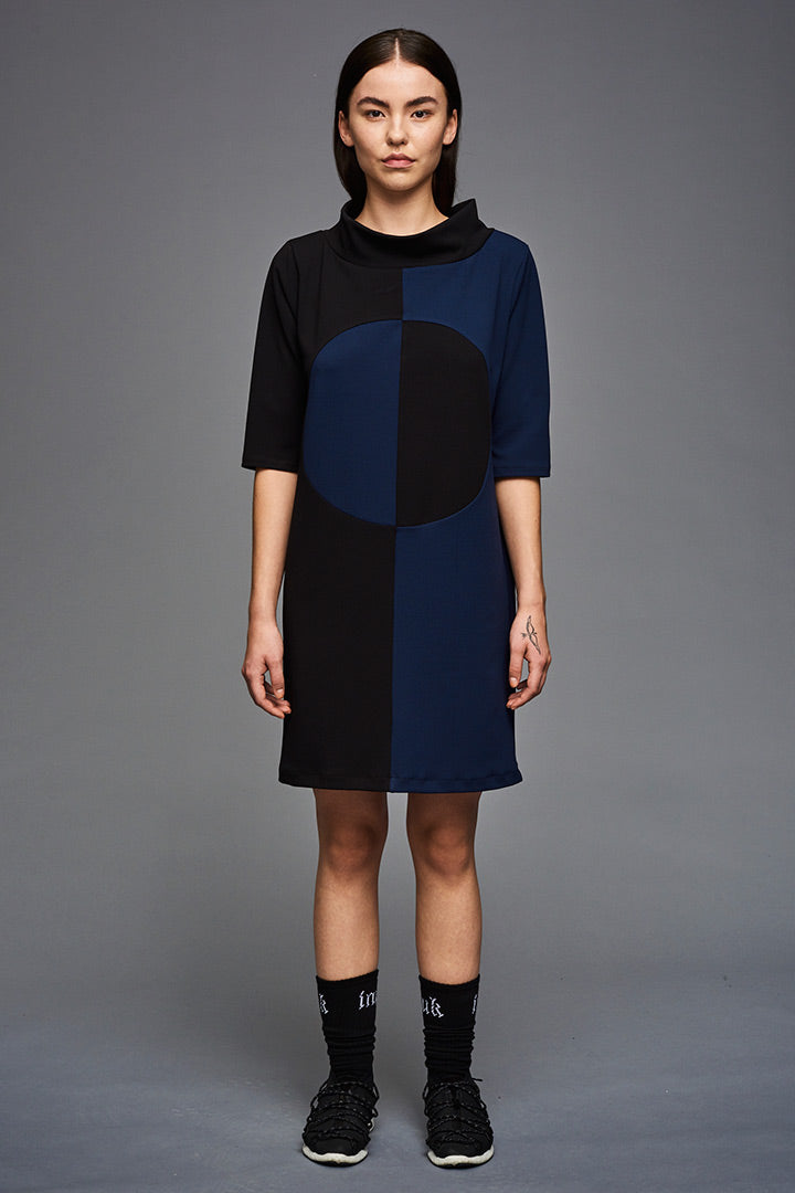 BIBI CHEMNITZ circle dress in lovely stretchy crepe fabric. Colors = Black and Marine