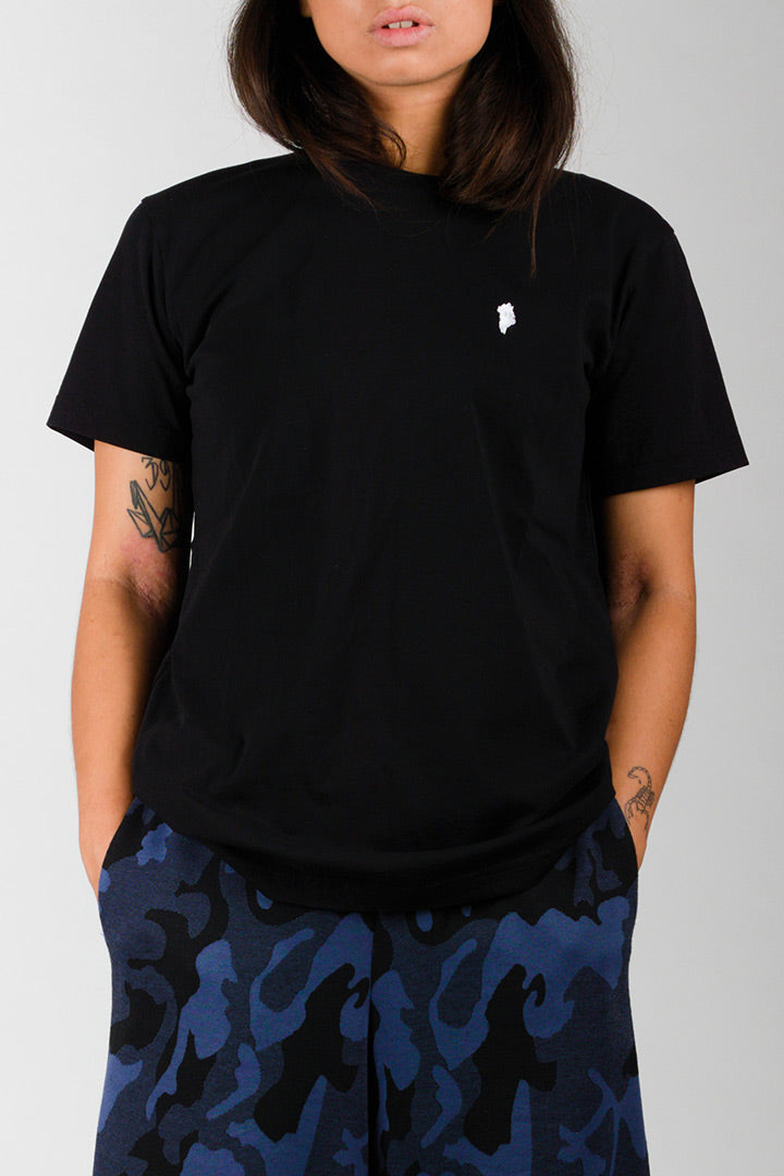Black Greenland Embroidery T-shirt (unisex)