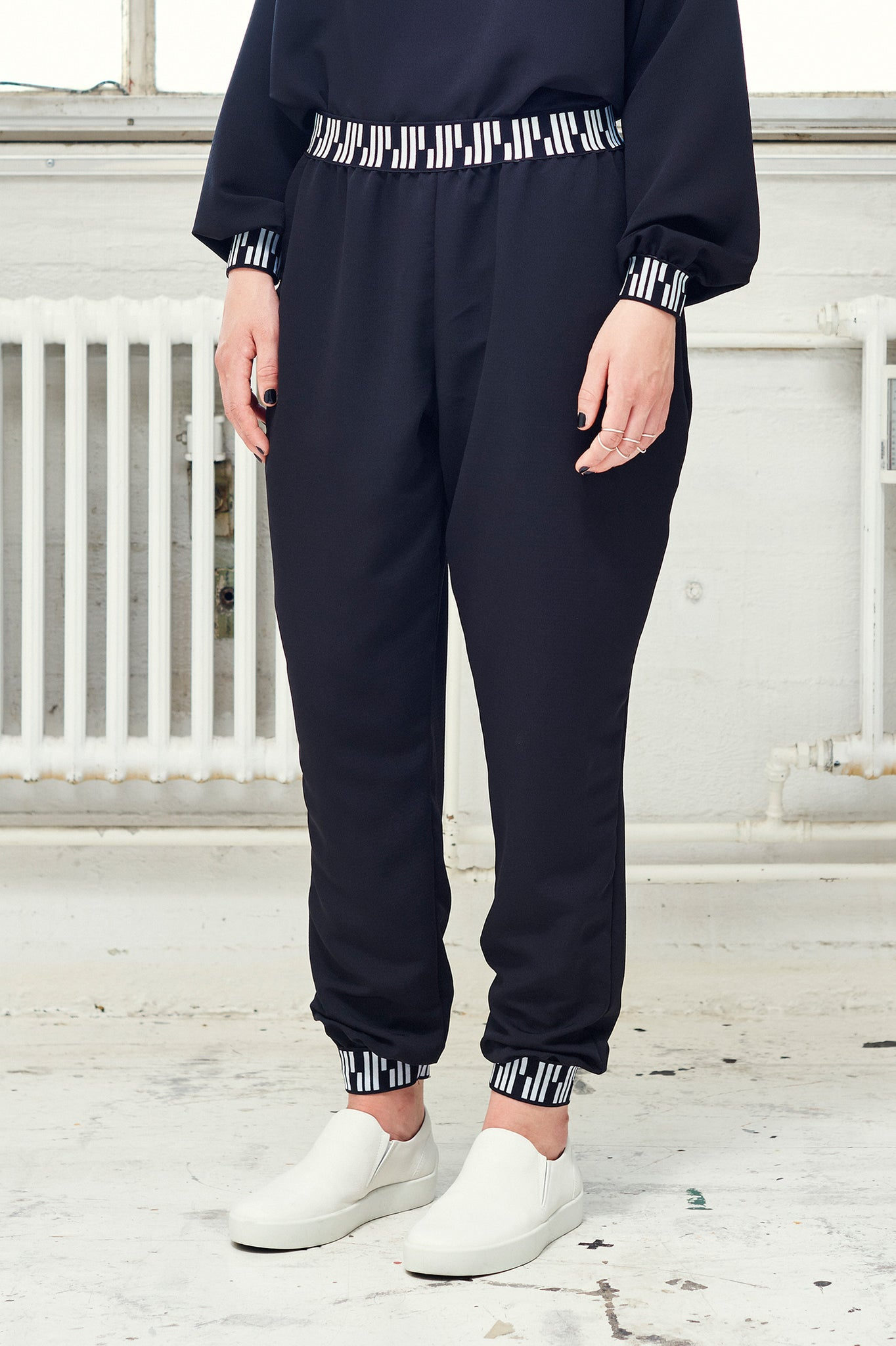 Light Loose Pants (black)