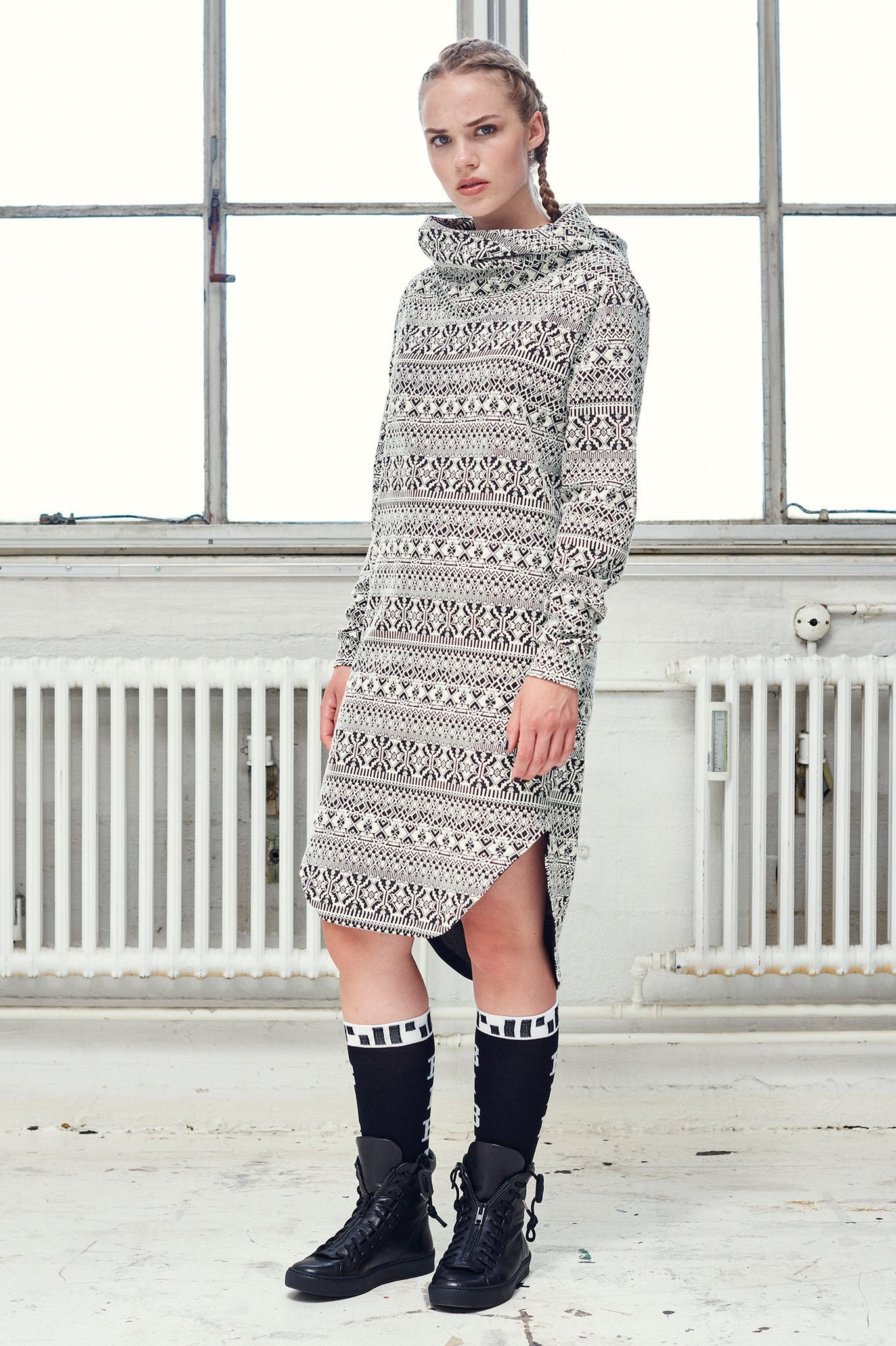 Pattern Inuit Hoodie Dress