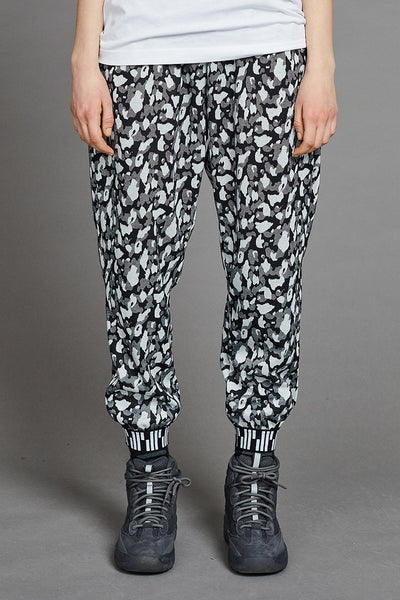 Siku Loose Pants by BIBI CHEMNITZ