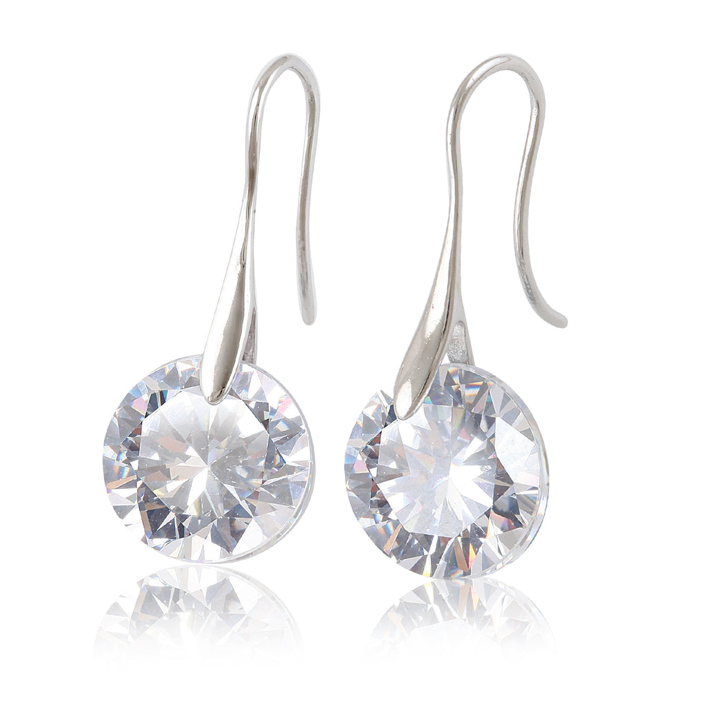 Tear drop cubic earrings