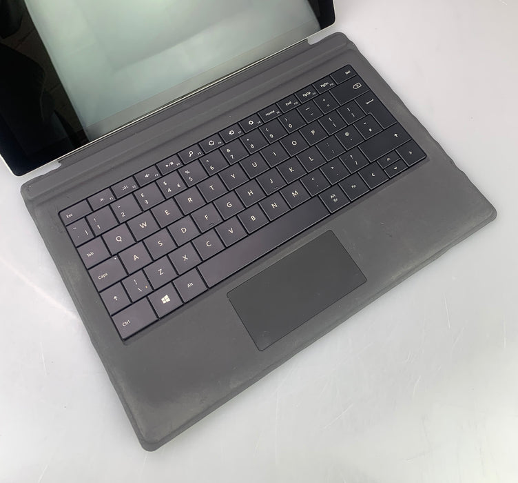 "Microsoft Surface Pro 4 (1724) Tablet PC, 12.3"" 2736 x 1824 Display, Intel Core m3-6Y30 900MHz - 2.20GHz, 4GB RAM, 128GB SSD, Windows 10 Pro 64bit"