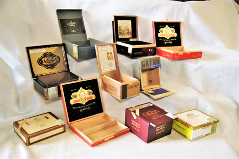 """Laconquista"" 10 Empty Box selection"