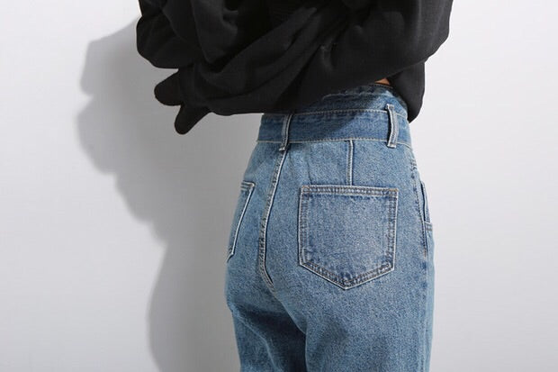 High Waisted Belted Jeans*