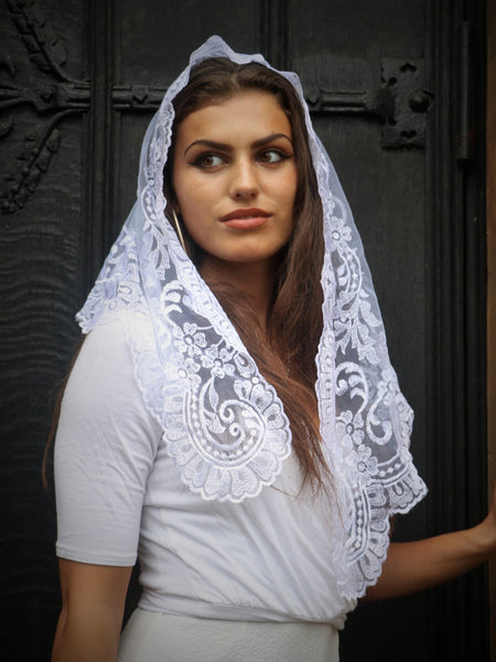 Pure White Mantilla - Di Clara Catholic Vestments and Gifts