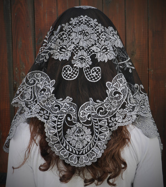 Soft Silver Sicilian Mantilla - Di Clara Catholic Vestments and Gifts