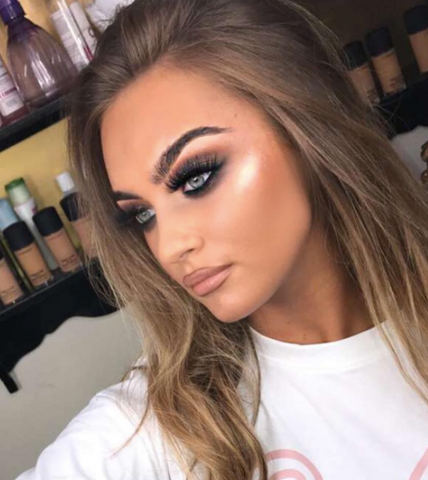 1db0688a041 Get the look by using our DOLL LIGHT highlighter in SHINE BRIGHT!