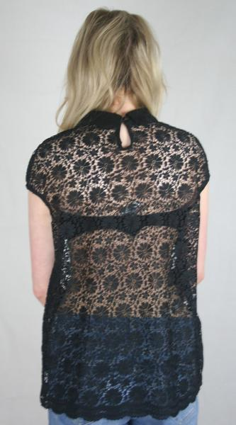 black lace collar tee ladies