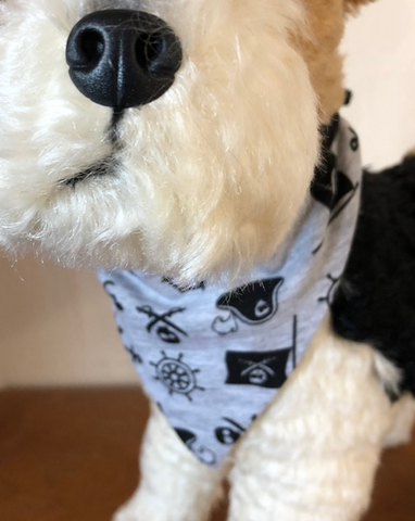 Pirate dog pet bandana with conrast tie binding