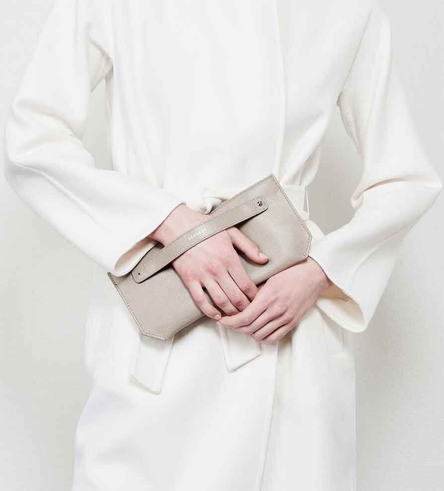Clutch Bags: How to Wear One and What to Look For