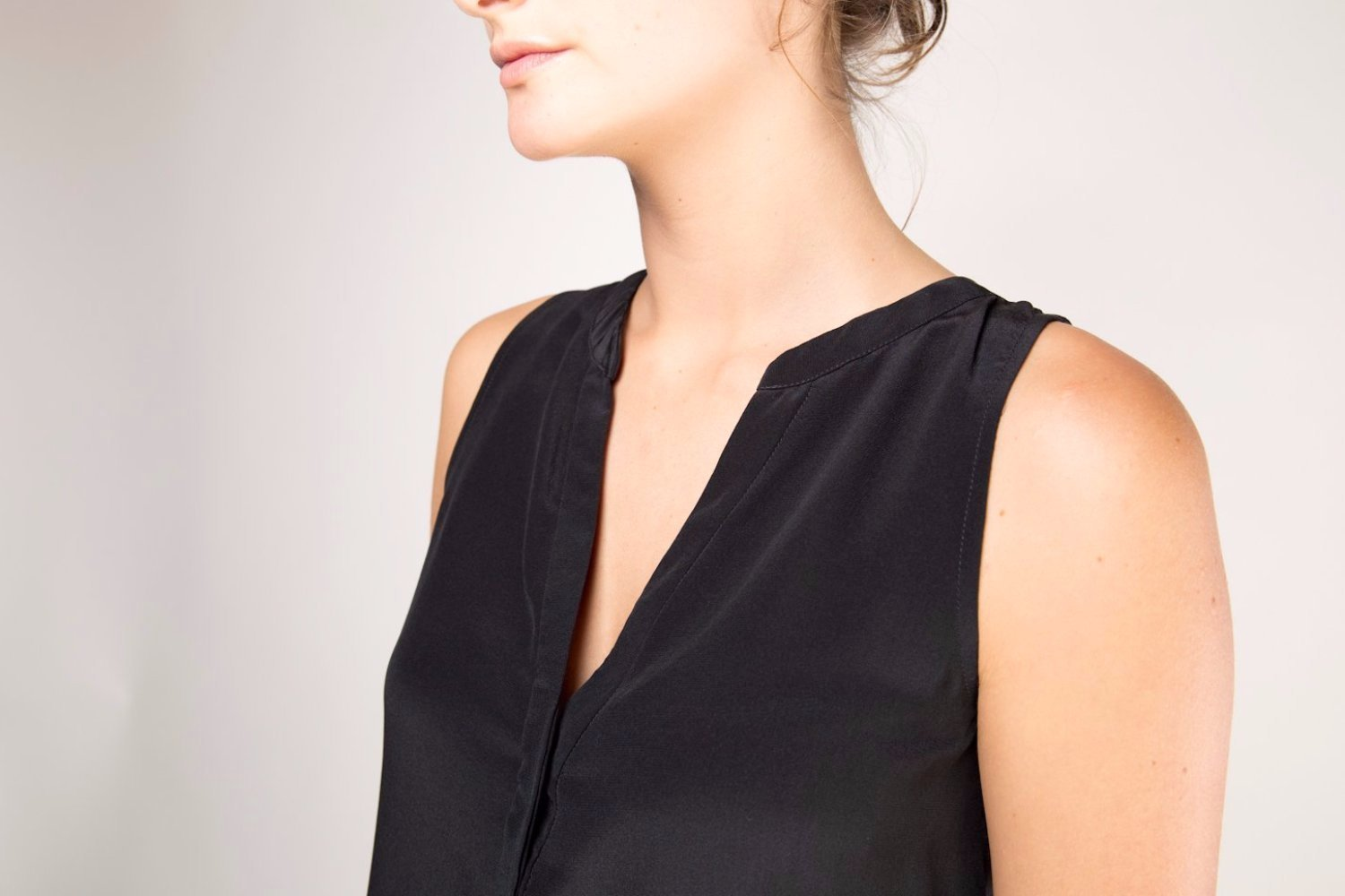 Heather Silk Sleeveless Blouse  -  Black