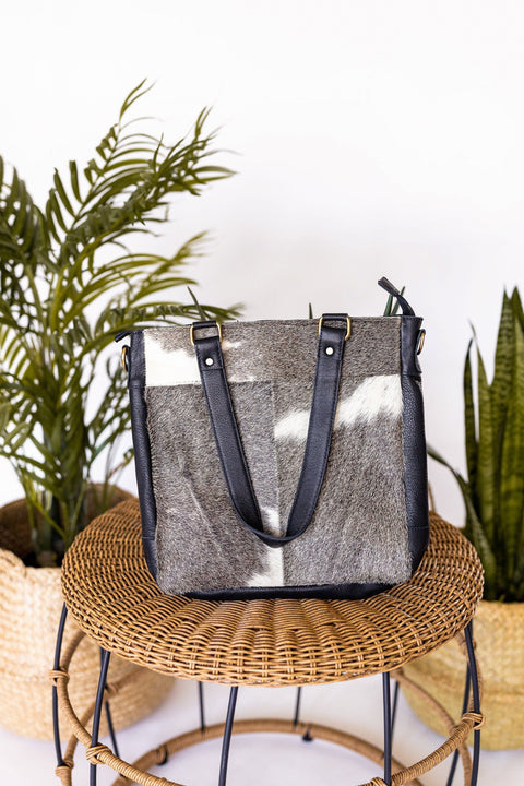 Fort Worth Cowhide Bag In Grey/White