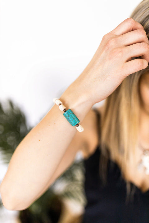 White Rondel Bead Bracelet with Turquoise Accent