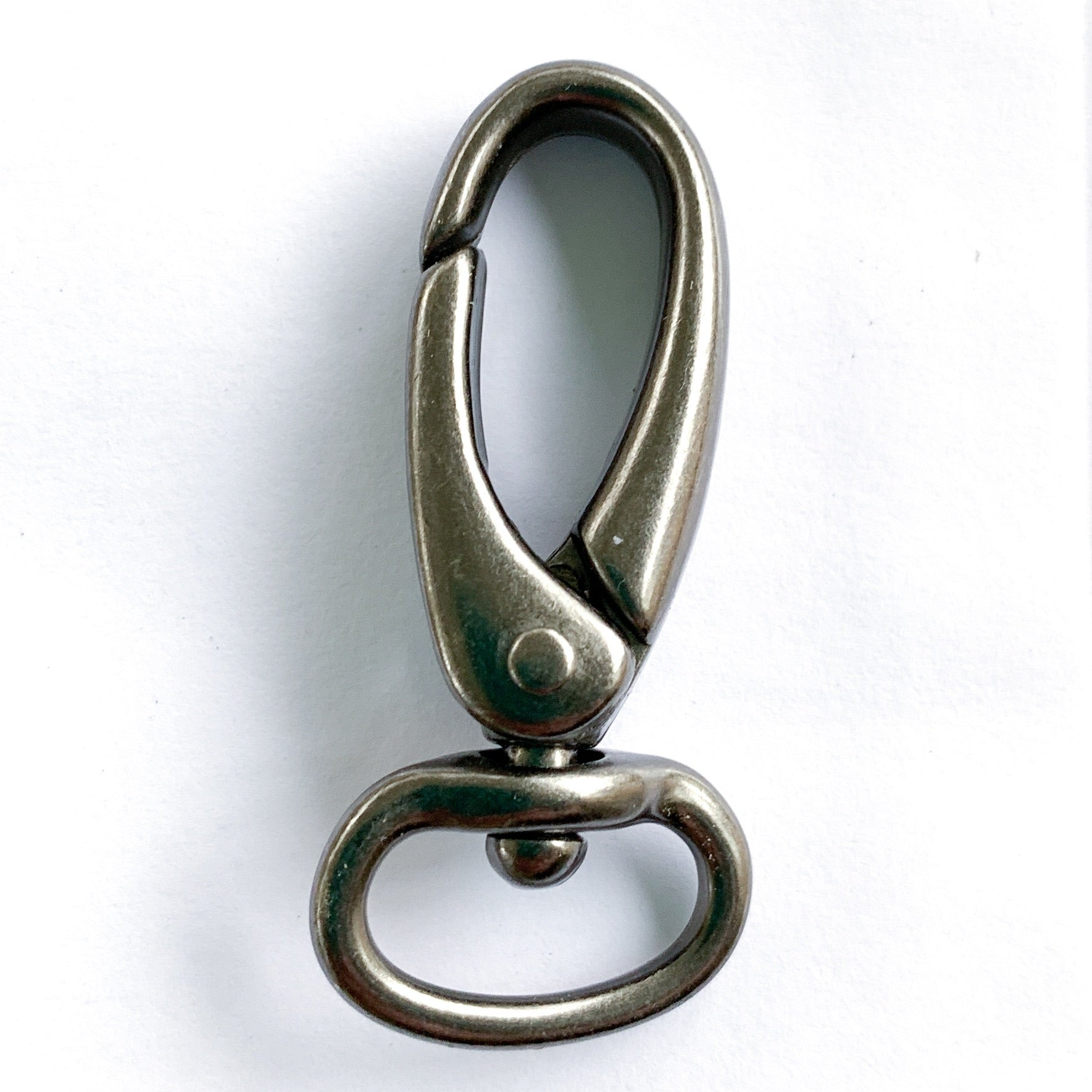 "1/2"" Swivel Hooks (set of 2) - PfitzSewSwell"