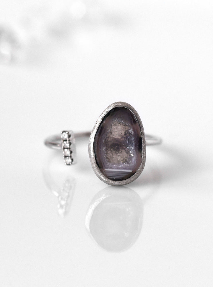 18K Solid White Gold Tabasco Geode Ring with Diamond