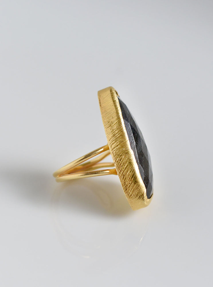 Adjustable Trillion Stone Ring