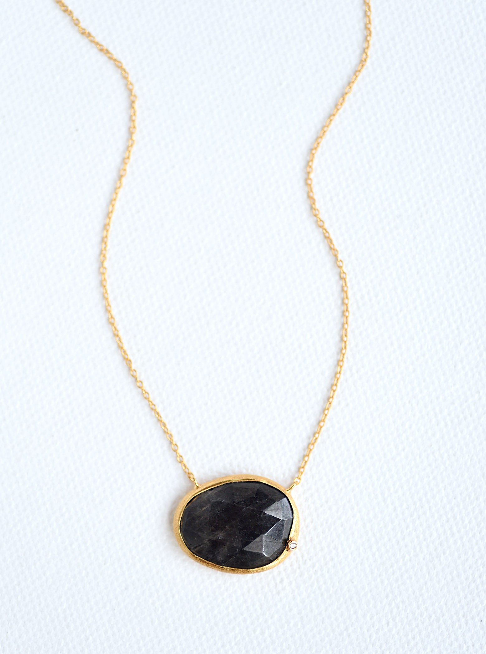 Natural Sapphire Egg Shape Necklace with Genuine Diamond